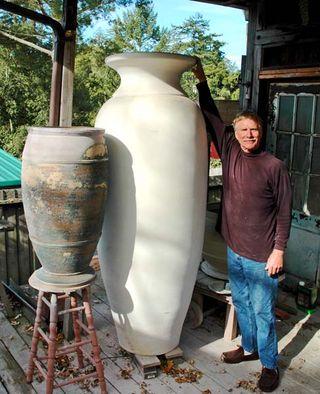 TomBratton-urn